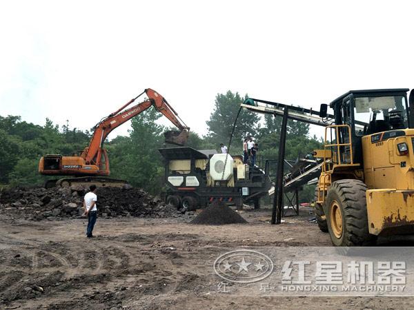 山西临汾移动煤矸石加工作业现场
